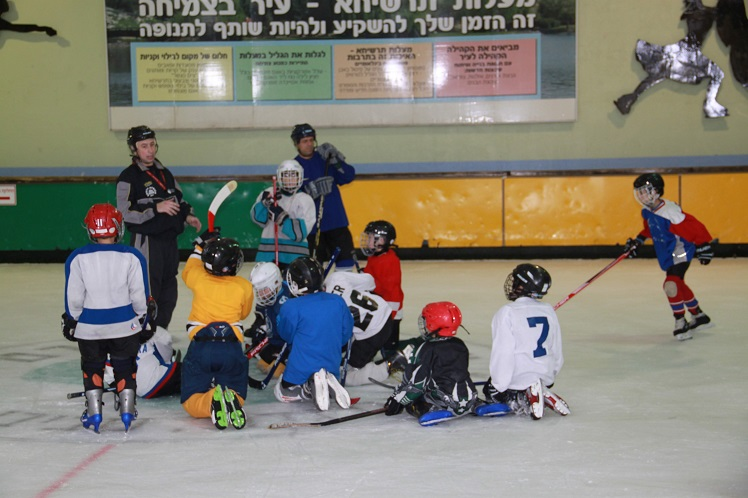 אימון קבוצת ילדים Hawks Haifa במעלות