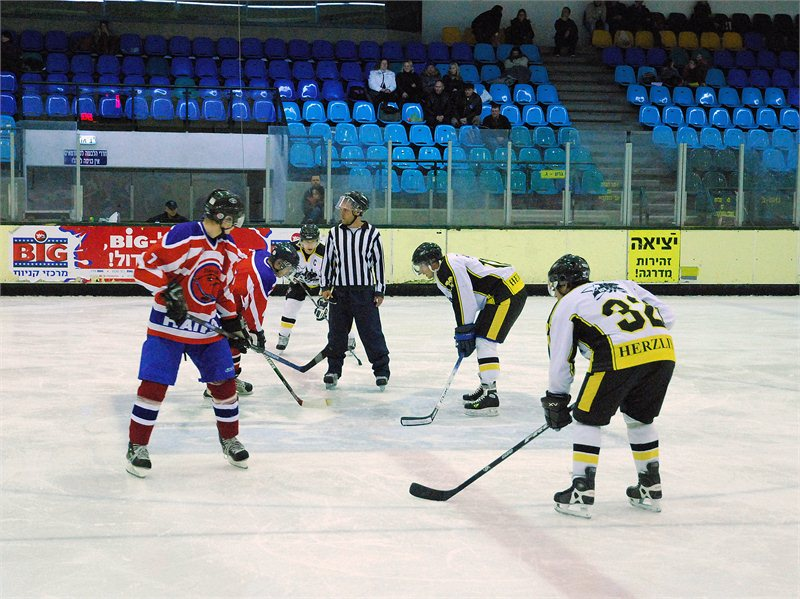 14-01-2011 (3 : 7), Hawks Haifa נגד Ice Time Herzeliya