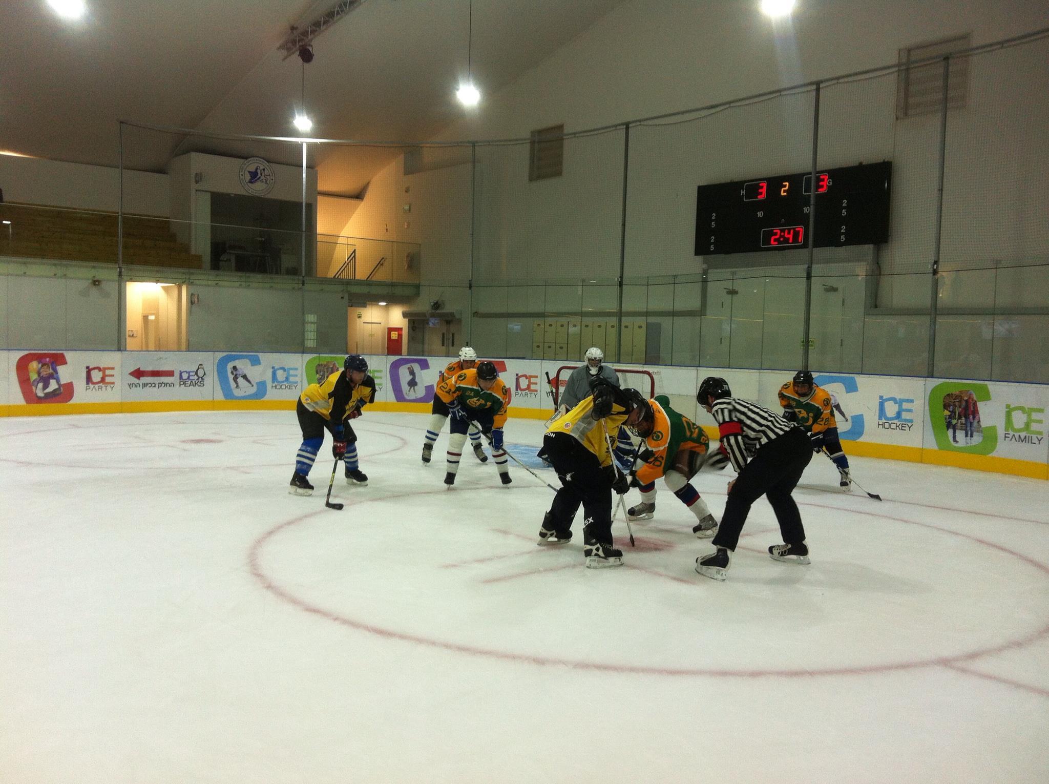 Hertzelia Ice Time נגד HC Holon Jet Turtles