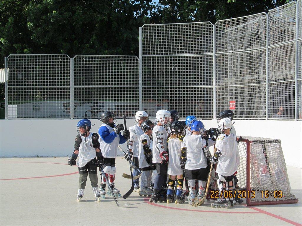 קבוצת ילדים  Hawks Haifa במשחק ידידות נגד Nes Ziona Dragons