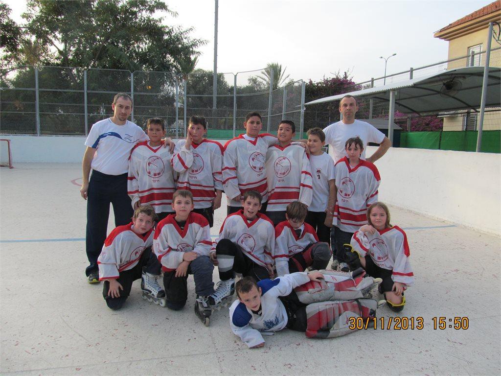 30.11.2013 קבוצת ילדים  Hawks Haifa במשחק ידידות נגד Nes Ziona Dragons