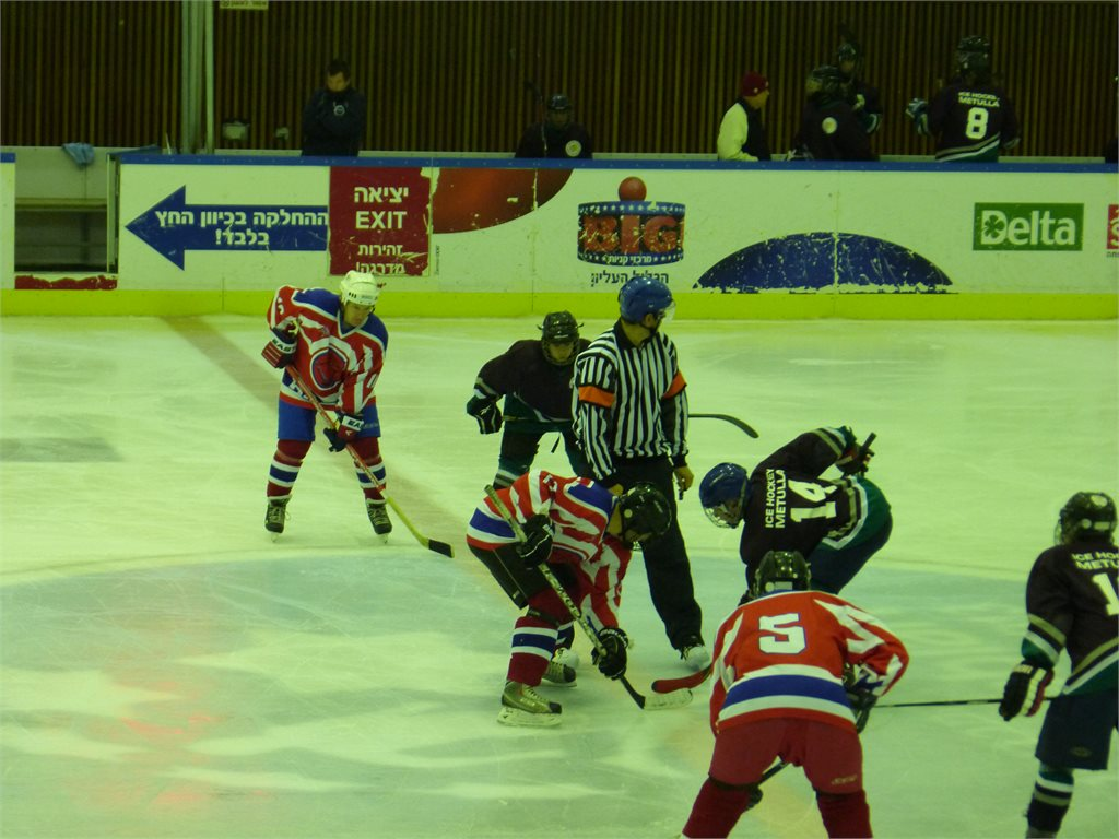 06-12-2013 (4 : 3), Hawks Haifa נגד Metulla Ice Hockey Club